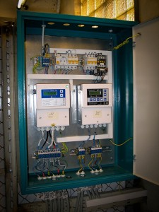 Электронные блоки теплосчетчика и регулятора тепловой энергии